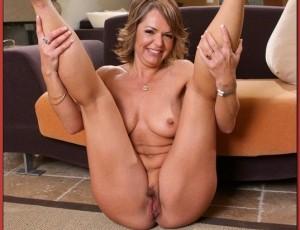 Известная любительница раздвигать ножки пошыре — kathy lee