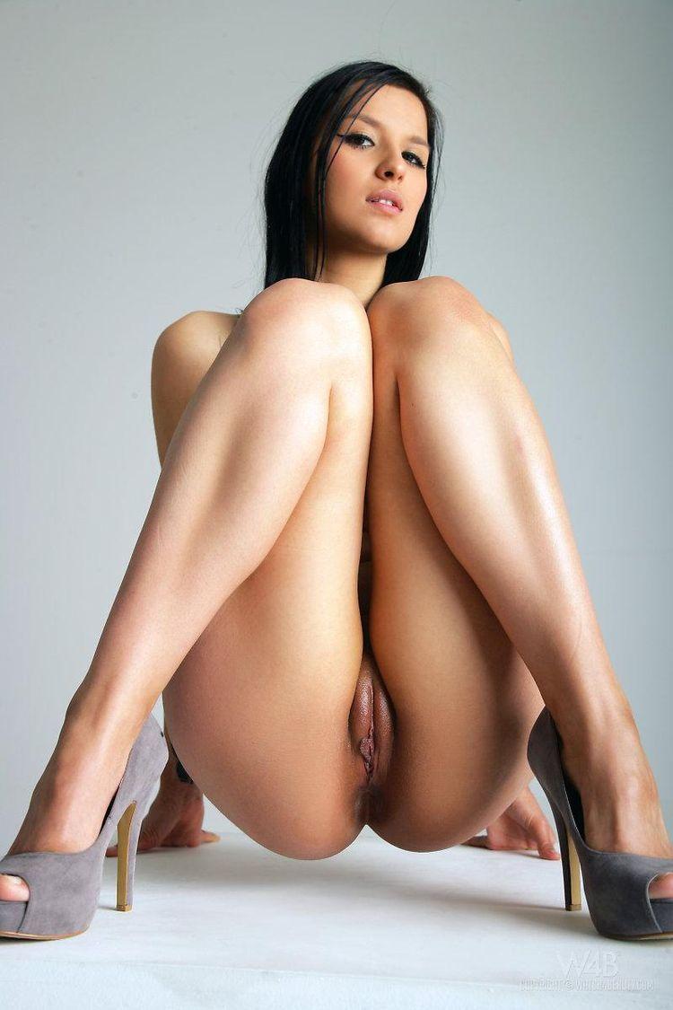 Самые красивые голые женские ноги 20 фотография