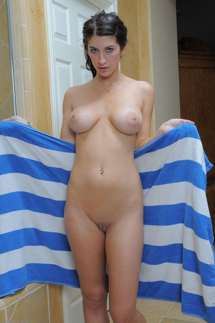 Фото голых девушек подсмотрено #9