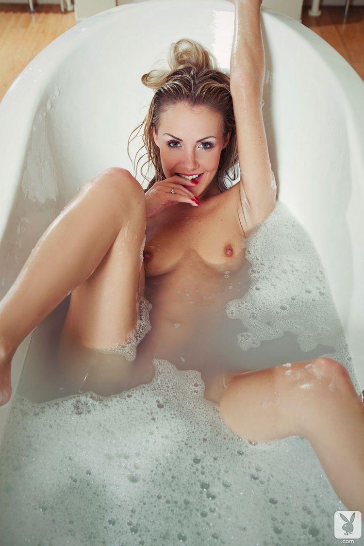Фото эротика подсмотренные ванной женщины 6 фотография