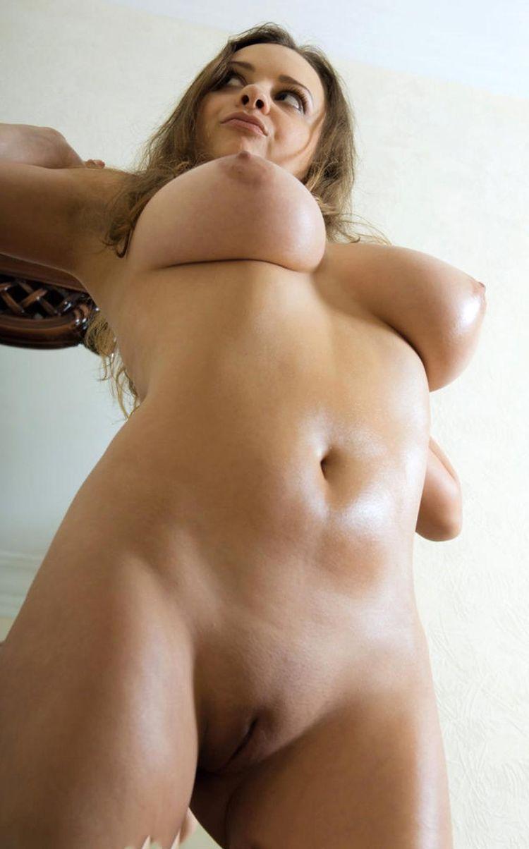 Сочные голые девки 22 фотография