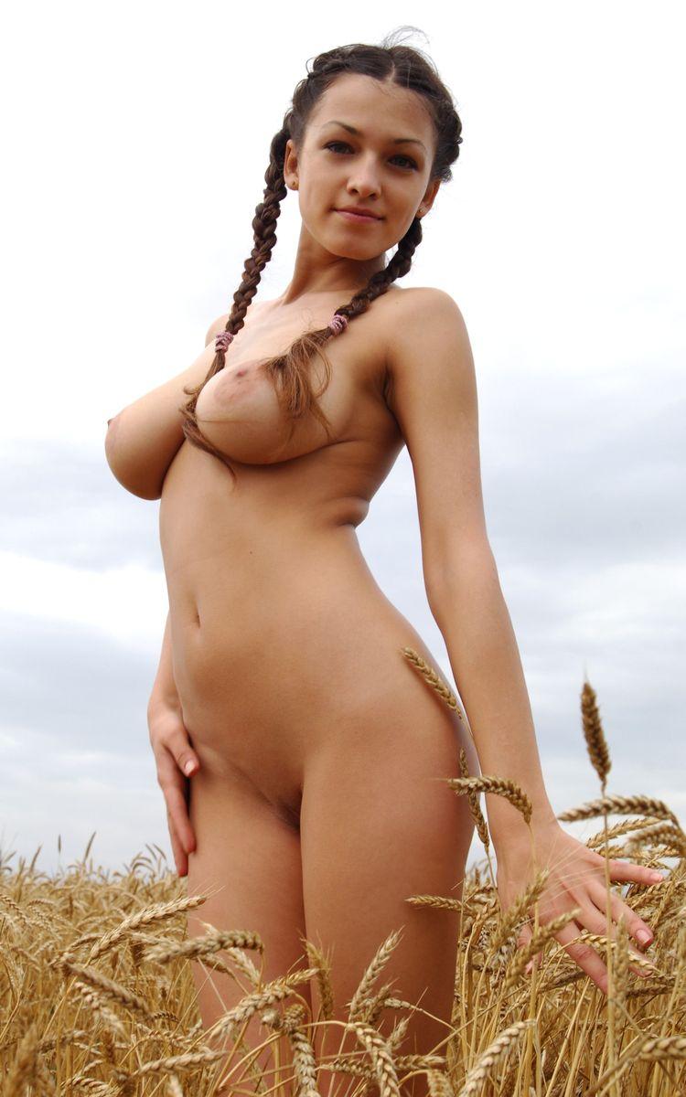 Фото голых красивых женщин на природе 6 фотография