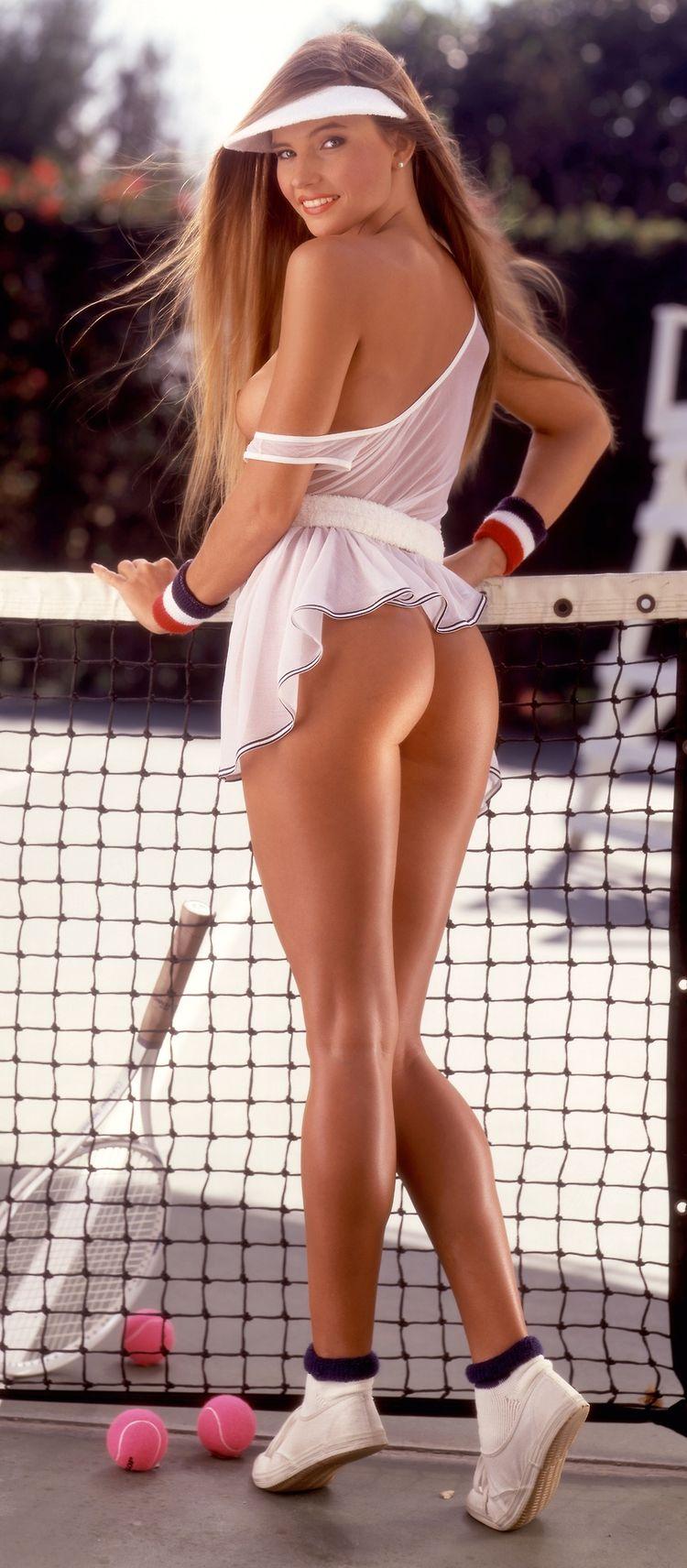 голые красивые девушки в юбках