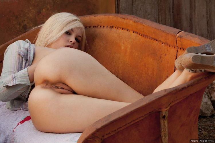 Голые писульки сексуальных телок