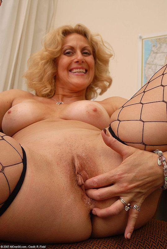 Фото голых зрелых дам возрасте, порнуха русская такси