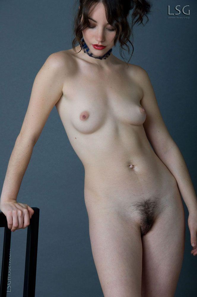Фотки голых писек с прическами