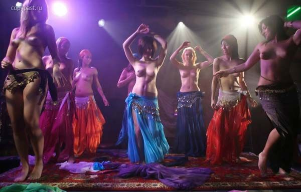 Голые танцы восточных красавиц