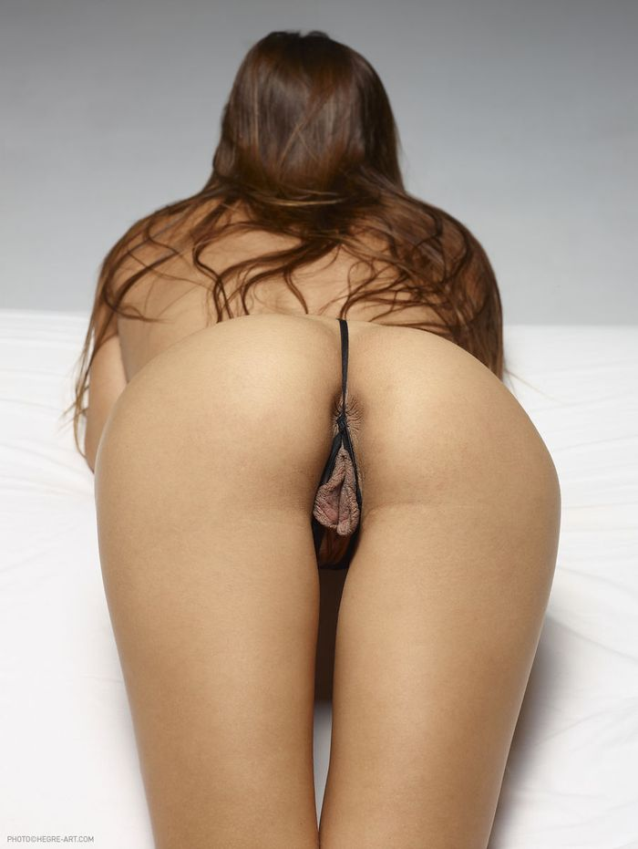 Оцените эротическое нижнее белье на этой милашке