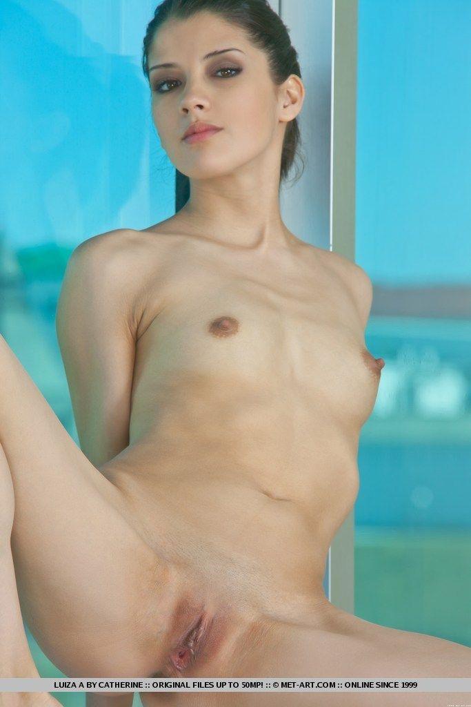 Фото голых дома приятно наблюдать