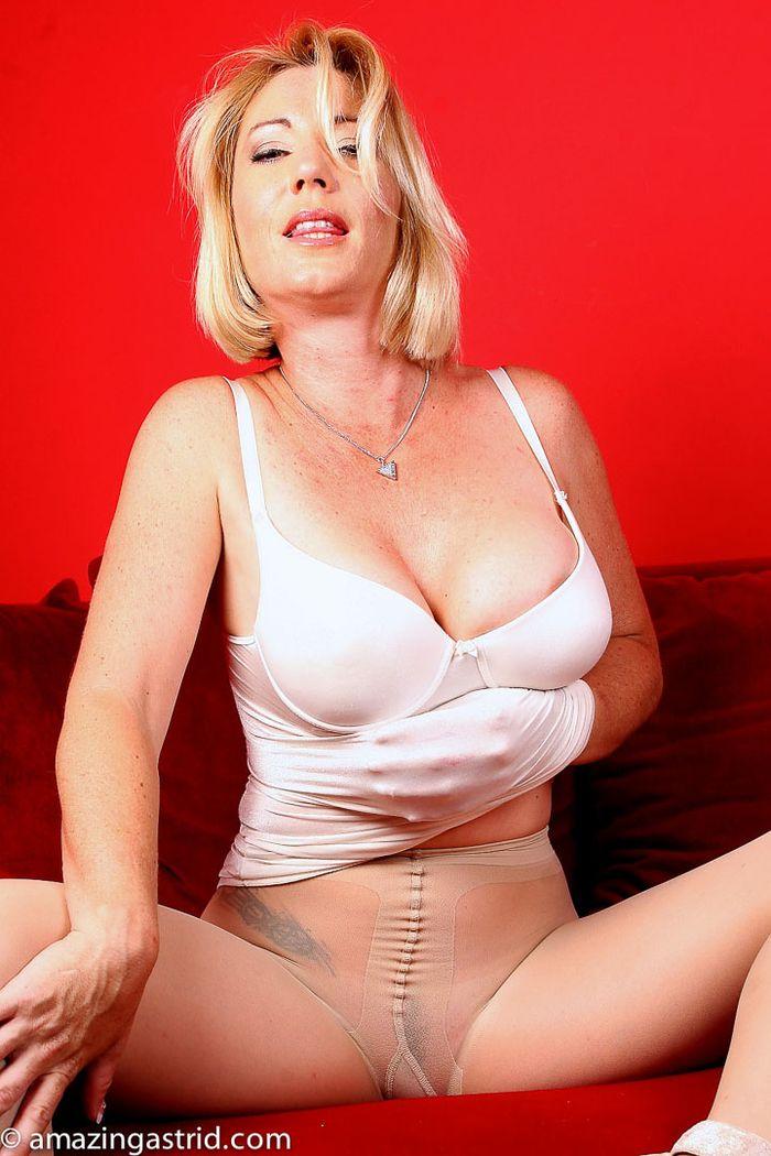 Классное фото девушек в колготках голые