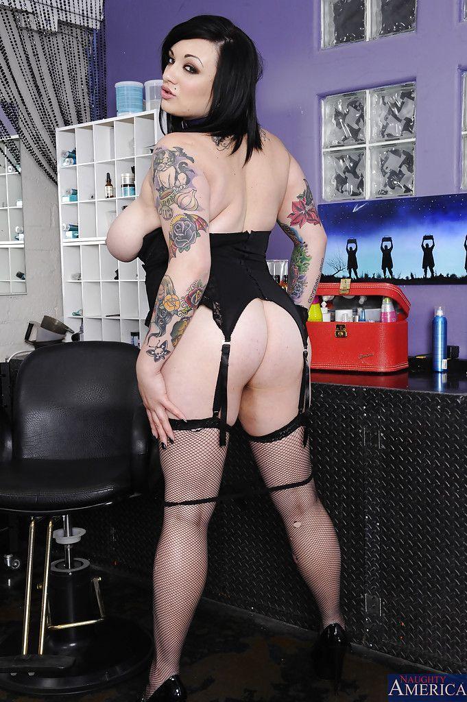 Фото эротика толстых татуированных телок